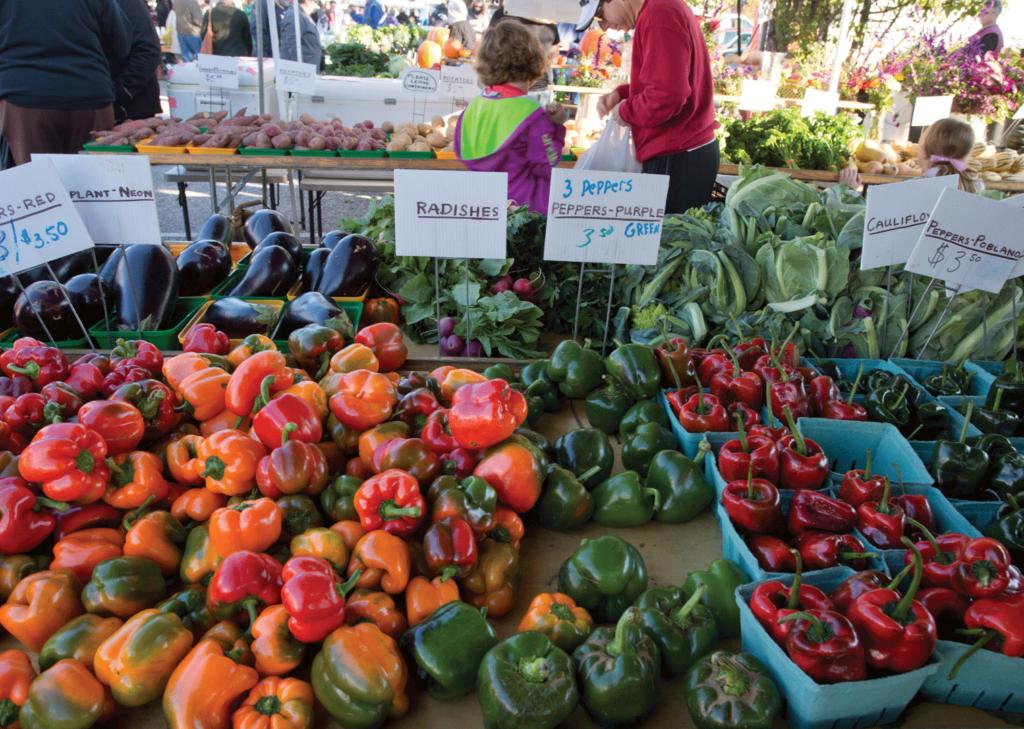 32nd Street Farmers Market in Waverly